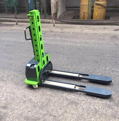 Good quality Semi Electric Self-Lift Stacker Made In China