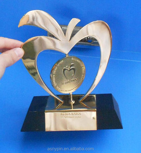 engraved logo metal brass awards trophy for championship events