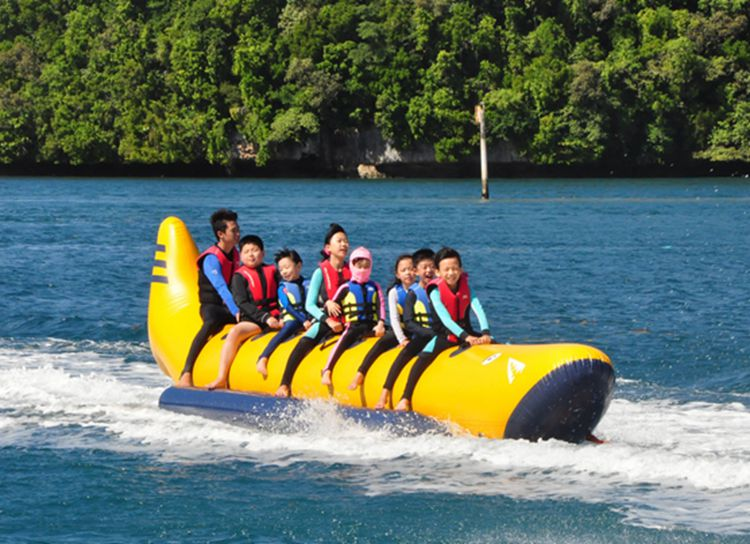 8 Person PVC Inflatable Beach Waterskiing Banana Boat Towable Tube For Rental