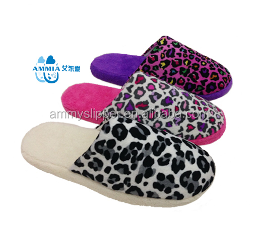 Customized lady winter warm cheap TPR room hotel slippers gift