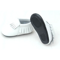Wholesale White Baby Soft Rubber Sole Genuine Leather Shoes Baby Moccasin Shoes