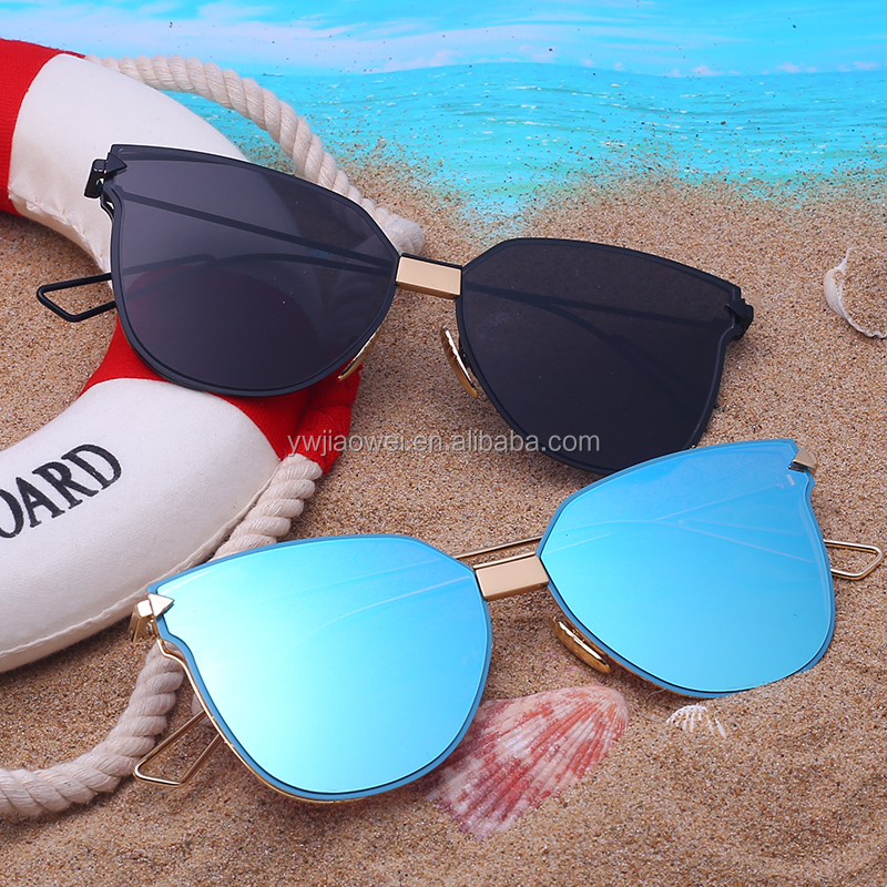 2017 private label top quality fashionable metal rimless sunglasses for women