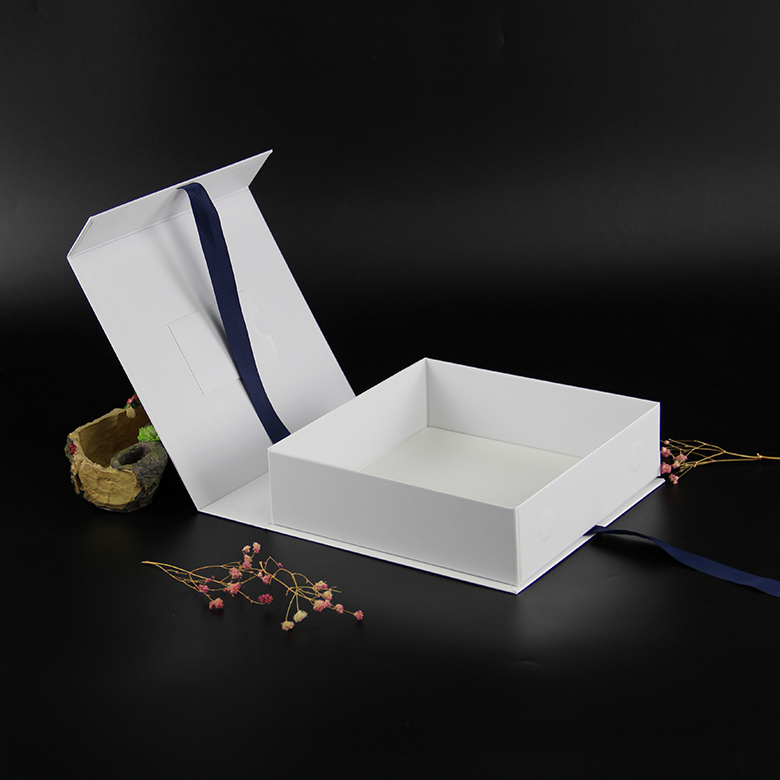 Custom square retails cardboard packaging paper gift box