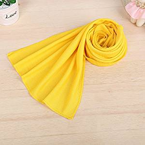 Ice cold towel towel cool summer cool feeling cold icy cold outdoor sports towel towel towel single movement.