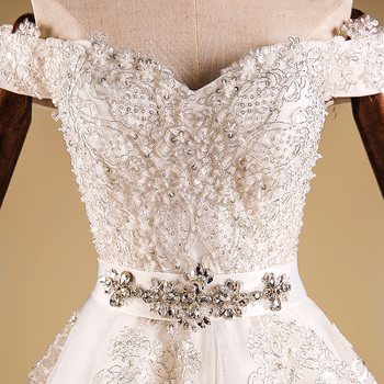 Sash Decoration And OEM Service Supply Type Lace Fabric Muslim Wedding Dress 2016