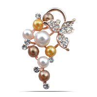 Ali Hot Sale Jewelry Hand Making Pearl Grape Pendant Brooch Crystal Leaf Costume Party Dress Pins Clip Accessory