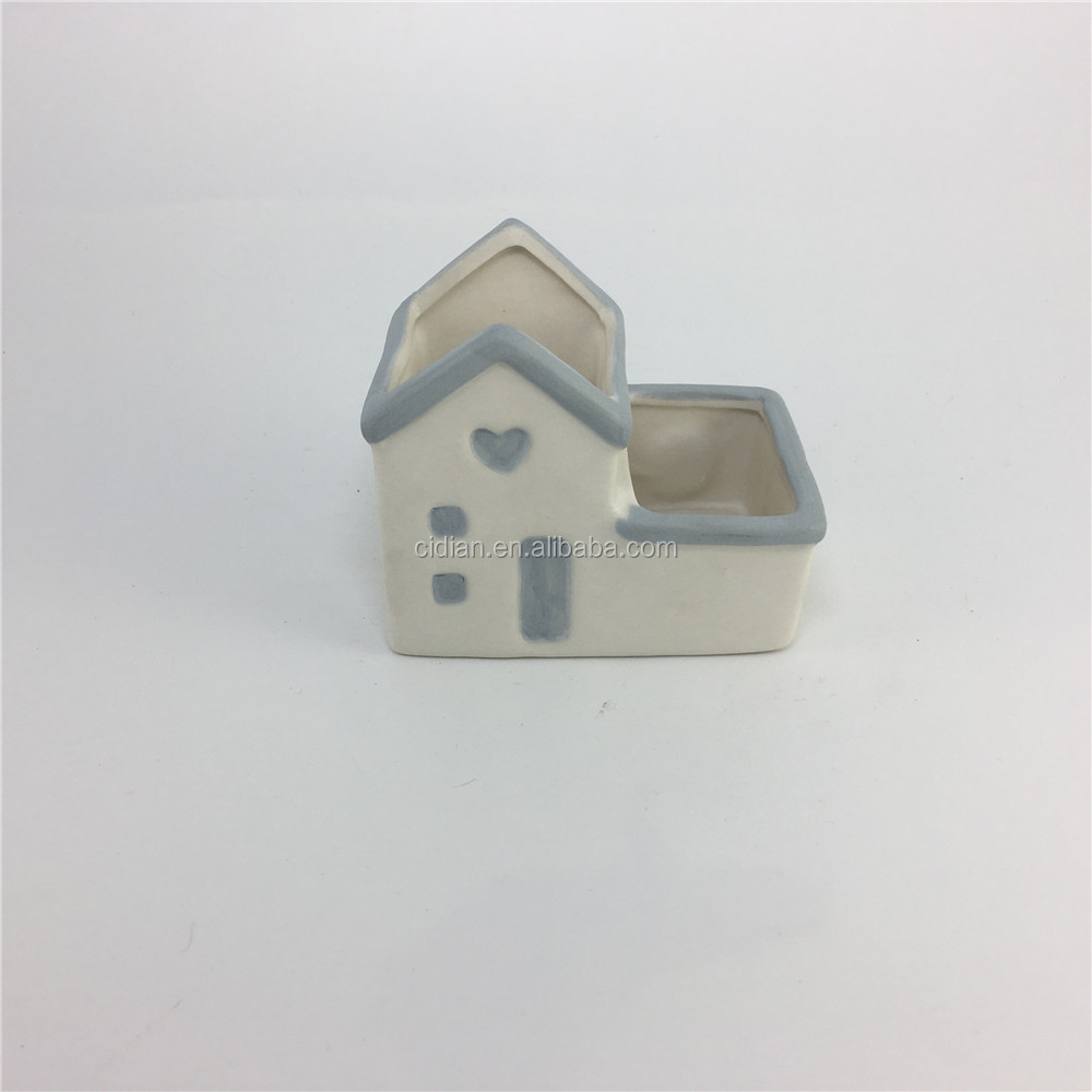Nice hanging Ceramic House jar with magnet