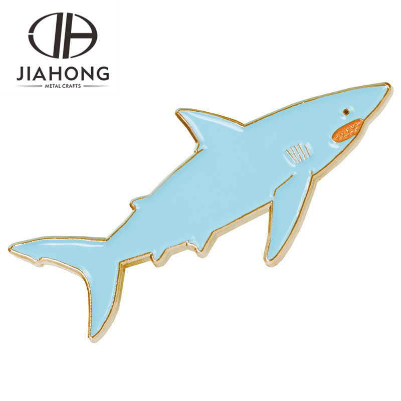 Hot sale Many type fish shaped design colorful soft butterfly enamel badge