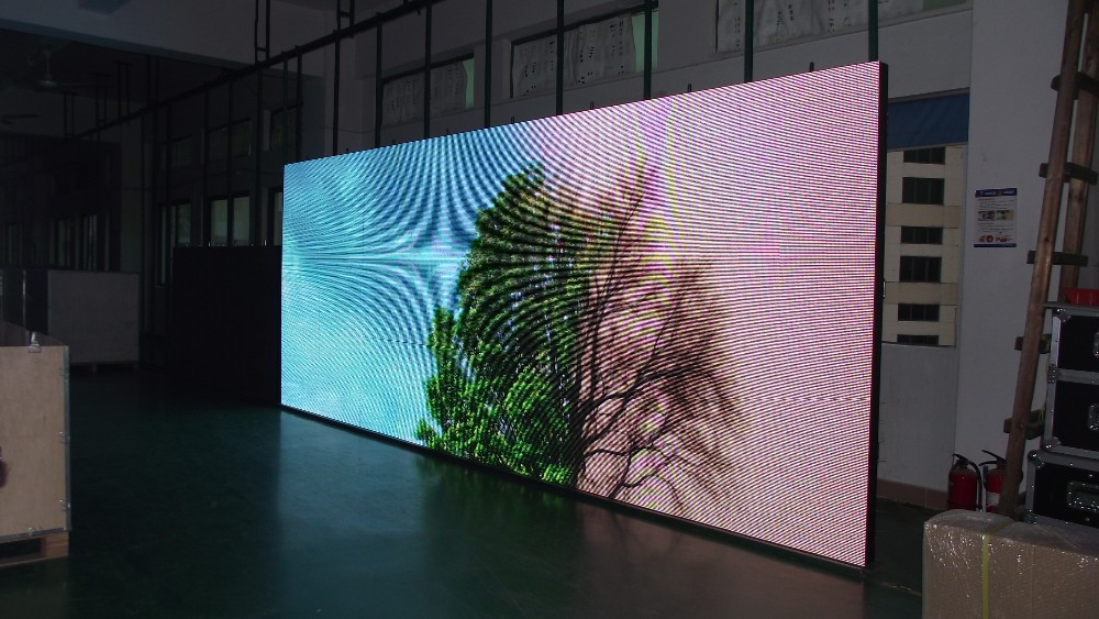 Outdoor led screen images galleries for Exterior led screen
