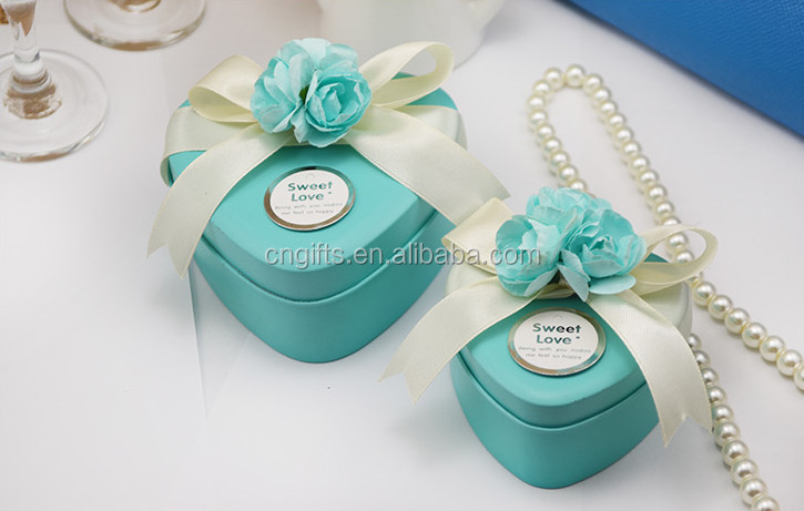 Top sell Tinplate heart small size wedding favors tin box tiffany blue candy box