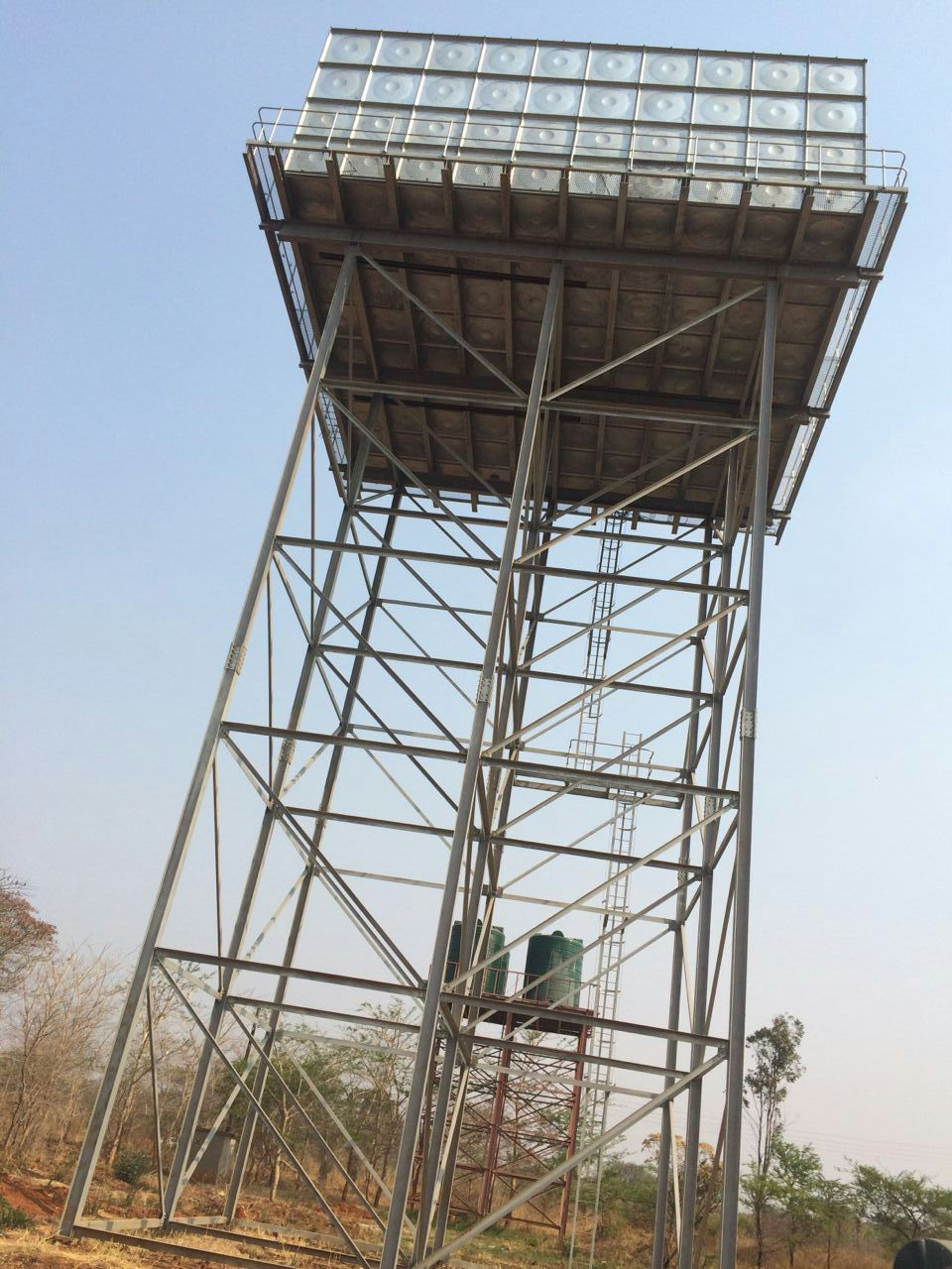 africa using galvernised steel structure water tank tower