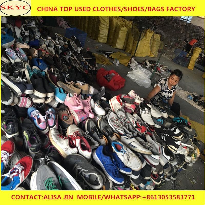 a852a769 Zapatos usados baratos para la venta Dongguan zapatos usados almacén stock  segunda mano mujeres hombres niños
