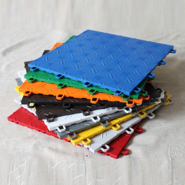 Ad incastro in pvc pavimenti in piastrelle di plastica - Piastrelle di plastica ...