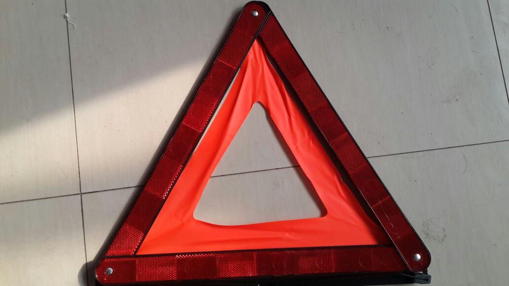 Автомобиль неисправности предупреждение отражение автомобиля отражатель кадров