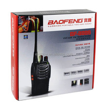 Um par BF-888s <span class=keywords><strong>BaoFeng</strong></span> UHF 400-470 mhz walkie talkie