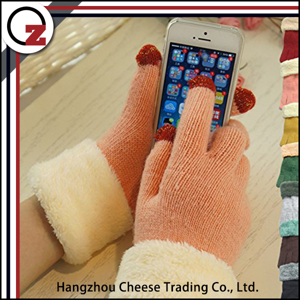Cute winter touch screen glove for keeping warm