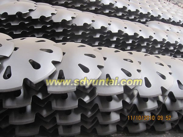 Plow and harrow disc blade used in agriculture machine