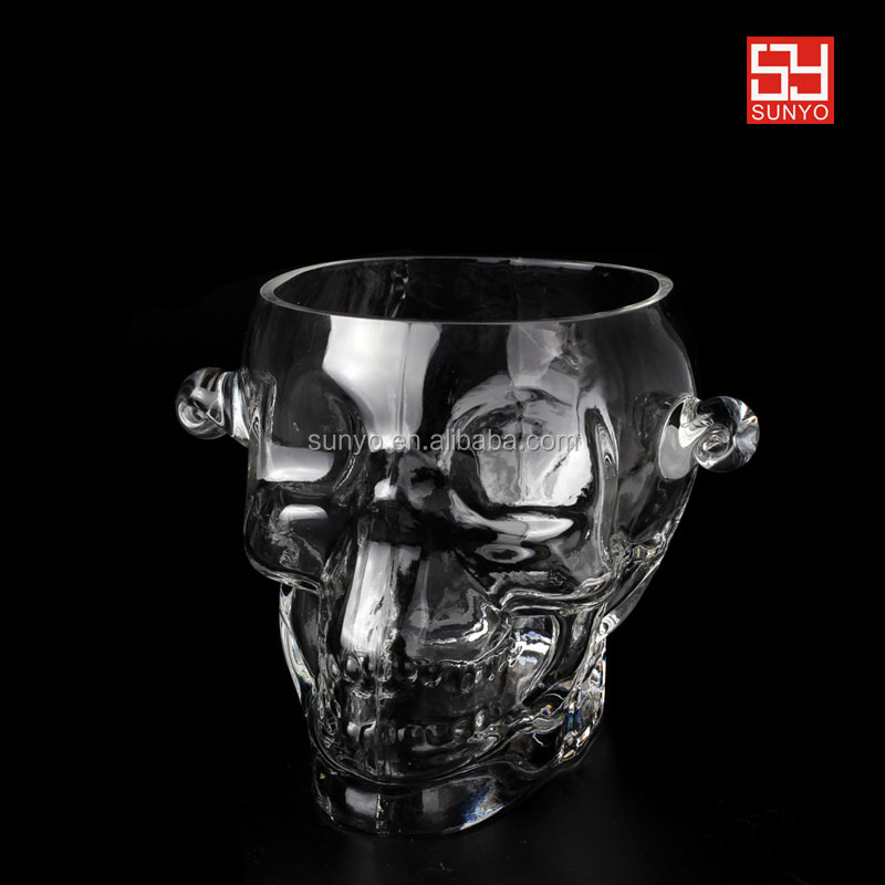 Popular leadfree customized size Brainfreeze Glass Skull shaped Ice Bucket with handle ear barware hotel supplier