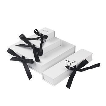 Custom Logo Luxury Flip Top Paper Jewelry Set Box With Black Ribbon Necklace Bracelet Ring Packaging Box