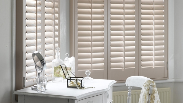 Horizontal decorative interior shutters wooden shutter buy decorative interior shutters wooden for Decorative interior wall shutters