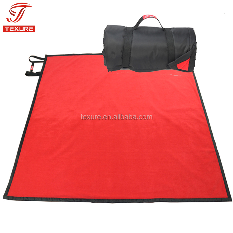 Roll-Up Vlakte Stijl Rode Fleece Nylon Waterdichte Picknick Stadion Deken met Handvat