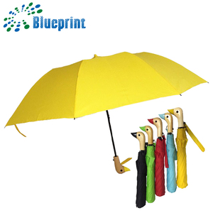 Two folded customer wood duck animal head handle umbrella