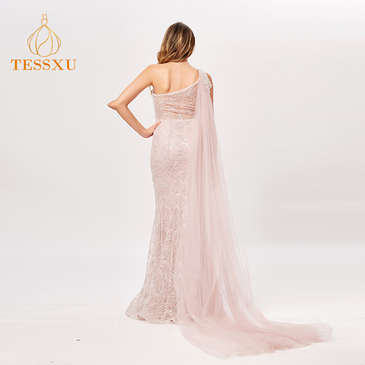 21d733ac84 China Fish Cut Gown