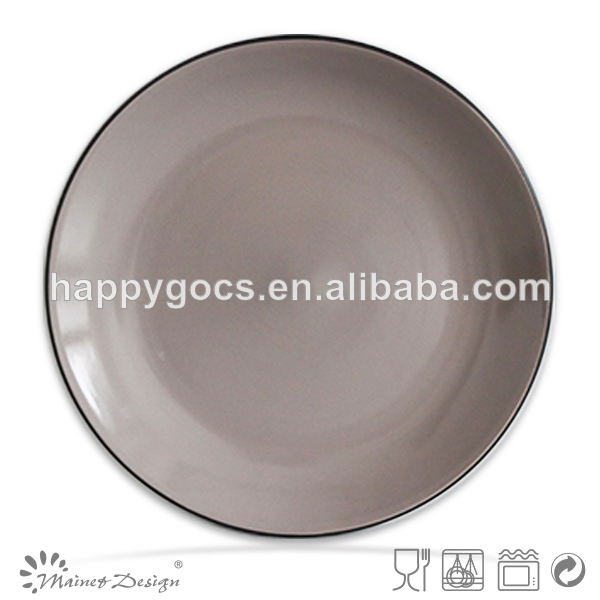assiette vaisselle vaisselle deux couleur de tonalit en gris et noir mat couverts et. Black Bedroom Furniture Sets. Home Design Ideas
