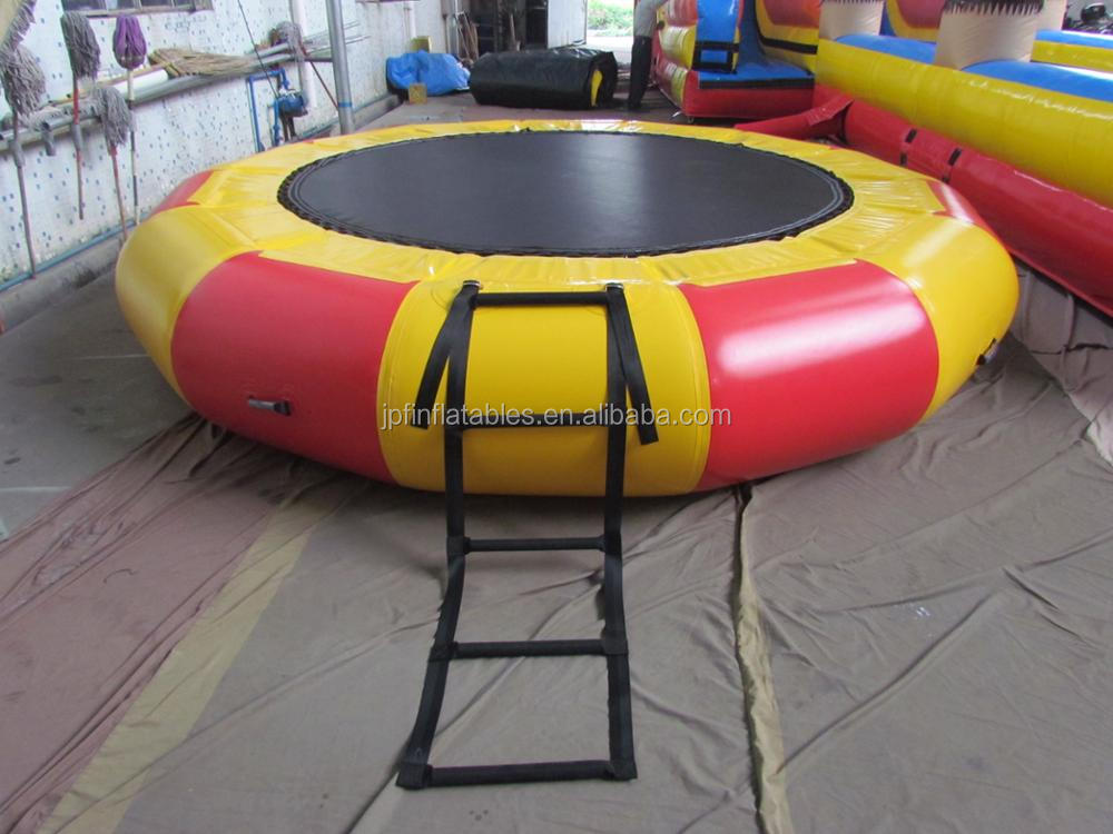 2019 hot selling children inflatable springfree trampoline for land or water