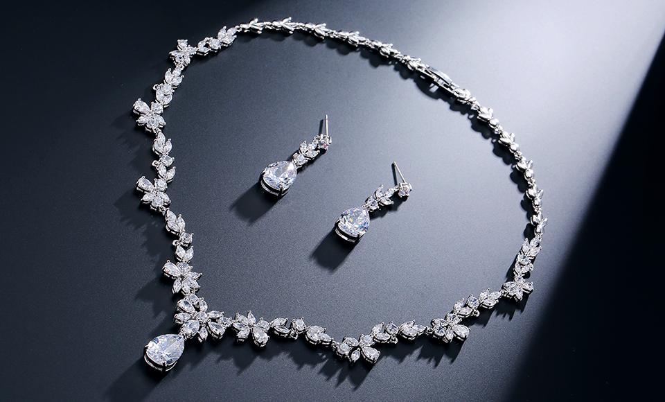 RAKOL Haute qualité mode en gros zircon diamant carré et d'eau pendentif collier pendentifs N2068