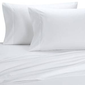 Deluxe' Solid Bed Sheet Set 100 Percent Egyptian Cotton Fine Single Yarns 1800 Thread Count Features Indulgently Soft Surface with a Lovely Sheen!! Set includes Fitted, Flat and Pair of Pillow Cases. Deep Pocket Fitted Sheet up to 18 Inches(Queen, White)