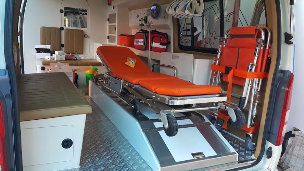 Toyota hiace ambulance interior design