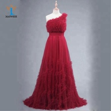 Attractive red sleeveless one-shoulder short tail evening dress