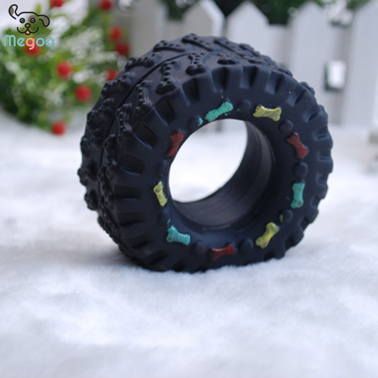 Black Rubber Tire Dog Toy Durable Tire Shape Bite Dog Toy