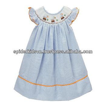 153ef65b872bc06 Светло-голубой В Полоску Со Сборками Pelican Angel-sleeve Платье ...