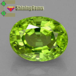 Superior quality oval cut natural peridot gemstone for jewelry