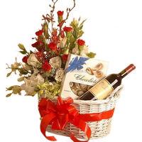 Fashionable Custom wine themed gift basket ideas