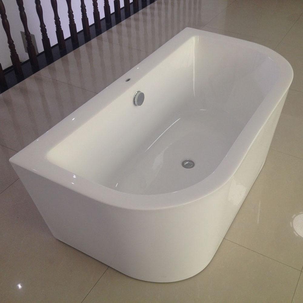 gegen die wand badewanne freistehende acryl badewanne. Black Bedroom Furniture Sets. Home Design Ideas
