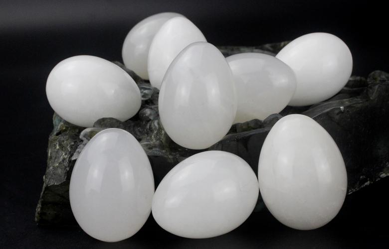 Wholesale All Types Of Gemstone Eggs White Jade Yoni Eggs