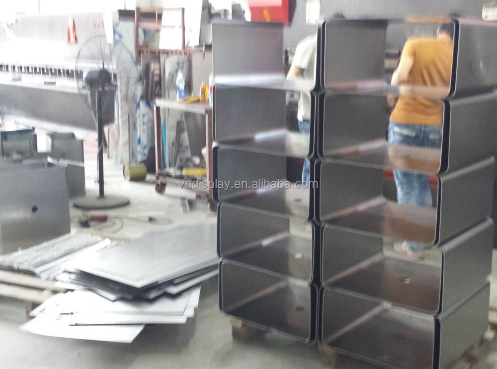 Display Shelves For Oil Station Paint Store Lubritorium Engine Oil ...