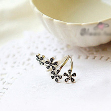 Fashion personality four small plum cute retro flower ring ring jewelry wholesale