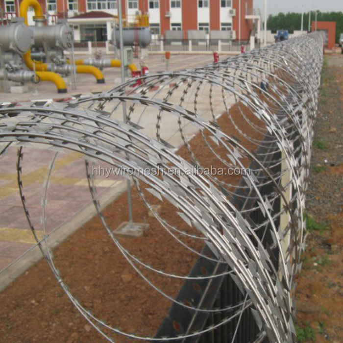 Hot sale Made in China 2017 Top quality and durable cheap price razor barbed wire