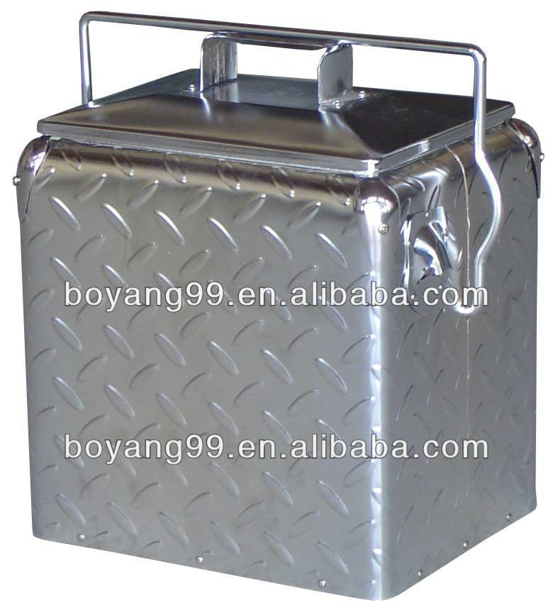 retro metal can cooler box