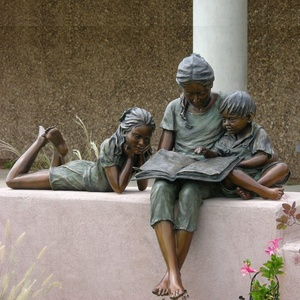 life size bronze mother and children statues reading book for yard decor