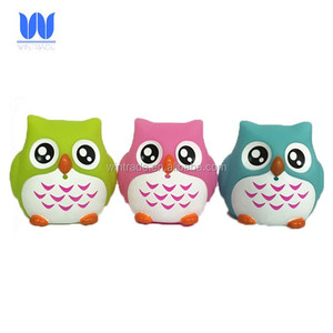 Wintrade bath buddy floating plastic squirter toy squeeze owl bath and pool toy
