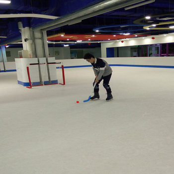 Glide Surface Uhmwpe Kiddie Ice Rink /synthetic Ice Hockey Rink/inflatable Backyard  Ice Rink