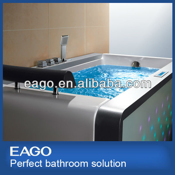 EAGO bathtub AM151 with glass front panel
