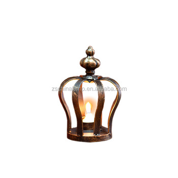 Low price antique resin metal crown candle holder with water pipe shape 4 hands for eyptian