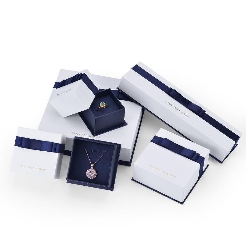Fantezi Tasarım Hediye Düğün Favor Karton Mücevher kurdelalı kutu