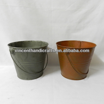 Rustic original metal hanging buckets for home or garden for Origine metal resinence